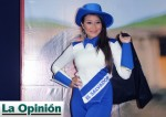Cachiporrista-La-Opinion-Los-Angeles-California-USA-Banda-El-Salvador-majorette-baton-twirler-2013