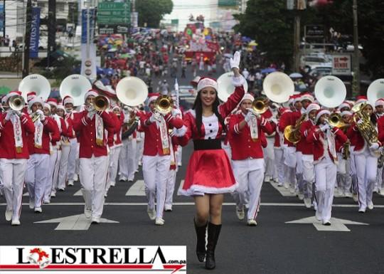 La-Estrella-Panama-Desfile-Navideno-2012-Calle-50-marching-band-bandasdemarcha