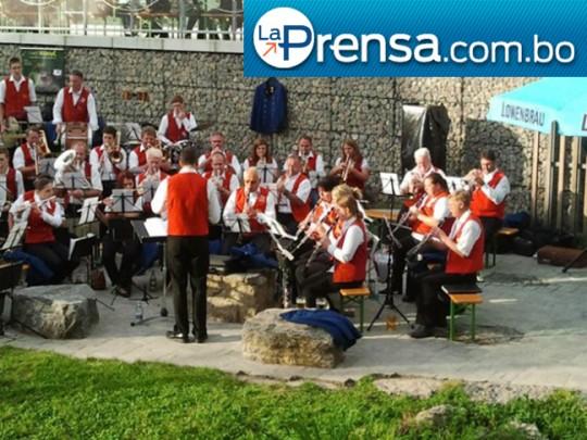La-Prensa-Bolivia-banda-Alemania-Malmsheim-Oruro-2013