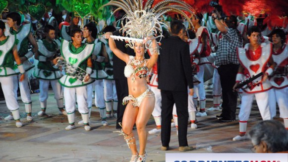 Corrientes-Hoy-Monte-Caseros-Argentina-Carnaval-Artesanal-2013-bastoneras-01