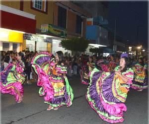 Diario-del-Sur-Chiapas-México-Feria-Internacional-Tapachula-FIT-2013-Bailarinas-Banda-Pedro-Molina-Guatemala
