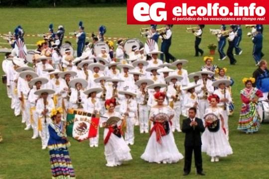El-Golfo-Veracruz-Mexico-Buhos-Marching-Band-Gira-Europa-Asia-2014-OCIIMAC