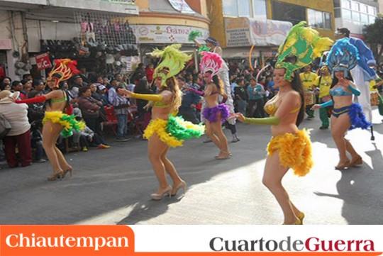 Cuarto-de-Guerra-Chiautempan-Mexico-Desfile-Remate-de-Carnaval-2014-bailarinas-dancers-comparsa