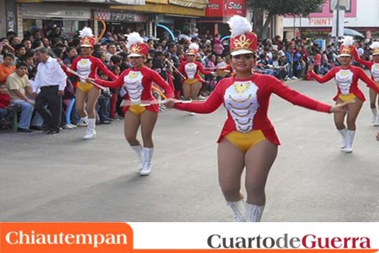 Cuarto-de-Guerra-Chiautempan-Mexico-Desfile-Remate-de-Carnaval-2014-bastoneras-majorettes-baton-twirlers