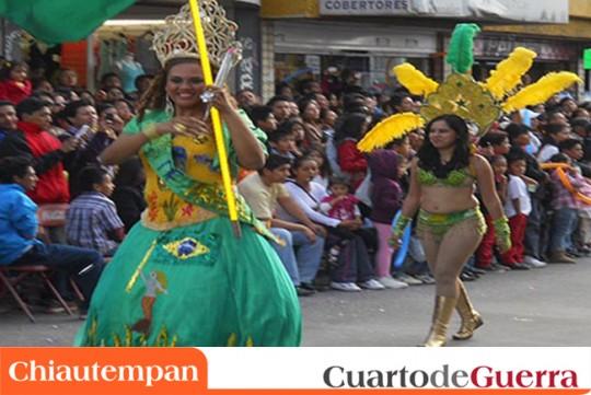 Cuarto-de-Guerra-Chiautempan-Mexico-Desfile-Remate-de-Carnaval-2014-reina-queen-bailarinas-dancers-brasil