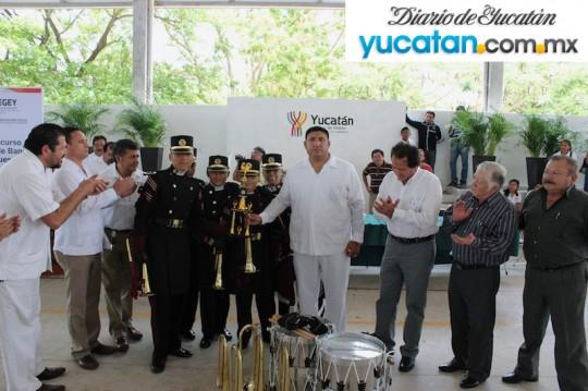 Diario-de-Yucatan-Mexico-concurso-estatal-de-bandas-de-guerra-2014