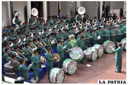 La-Patria-Bolivia-Banda-Espectacular-Pagador-50-aniversario