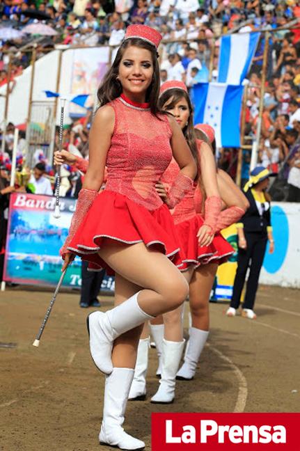La-Prensa-Honduras-Palillona-Jennifer-Funez-Instituto-Modelo-01